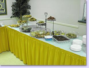 desert Sunday buffet tables